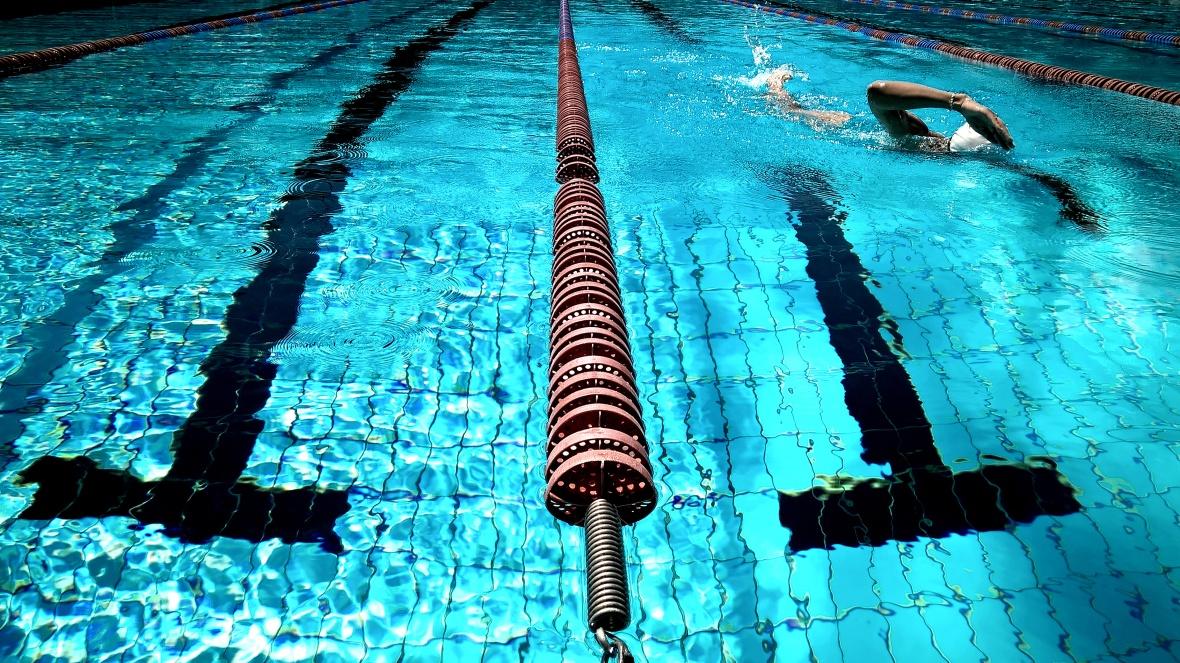 ejercicios de calentamiento en natacion.jpg